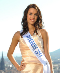 http://s.tf1.fr/mmdia/i/29/0/miss-auvergne-2011-celia-goninet-candidate-election-miss-france-10590290afhgy_2006.jpg
