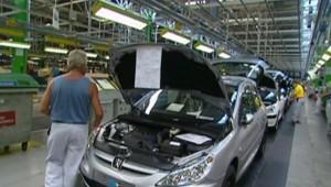 usine peugeot Sochaux construction de voiture automobile