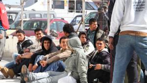 Réfugiés venus de Tunisie et rassemblés dans l'île de Lampedusa (17 février 2011)