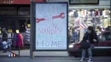"""COP 21 : 600 fausses publicités à Paris pour dénoncer les """"mensonges"""" des sponsors"""