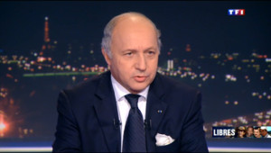 """Le 20 heures du 30 octobre 2013 : Une ran� pour les otages ? """"Pas d%u2019argent public vers� insiste Fabius - 496.048"""