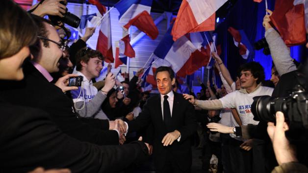 http://s.tf1.fr/mmdia/i/29/4/lors-de-son-premier-grand-meeting-de-campagne-dimanche-a-marseille-10648294efeun_1861.jpg?v=1