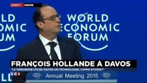 """Hollande à Davos : """"le terrorisme utilise Internet comme une arme"""""""