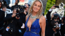 Sharon Stone lors de la monte des marches du film Ma vie avec Liberace le 21 mai 2013  Cannes