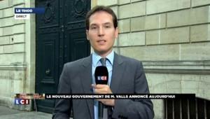 """Hollande demande à Valls """"un gouvernement de clarté"""""""