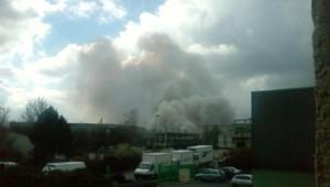 L'incendie d'un entrepôt à Moussy-le-Neuf en Seine-et-Marne. Photo prise par un internaute de LCI.fr