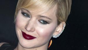 """Jennifer Lawrence lors de la première de """"Hunger Games, l'embrasement"""" à Paris, le 15 novembre 2013."""