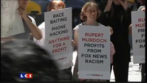 Manifestation devant le domicile de Rupert Murdoch à New York