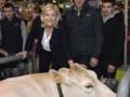 Marine Le Pen au salon de l'agriculture le 26 février.
