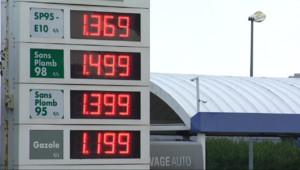 Le 13 heures du 28 octobre 2014 : Le prix des carburants en baisse - 531.82
