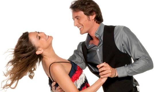 http://s.tf1.fr/mmdia/i/30/4/sandrine-quetier-vincent-cerutti-danse-avec-les-stars-10389304xnhkg_1879.jpg