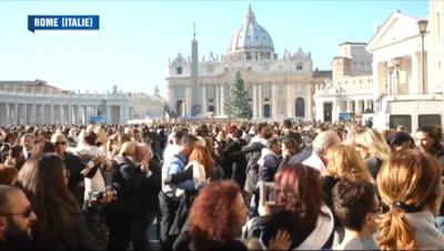 Le 13 heures du 17 décembre 2014 : Un Tango géant pour fêter les 78 ans du pape François - 1701.9919999999997