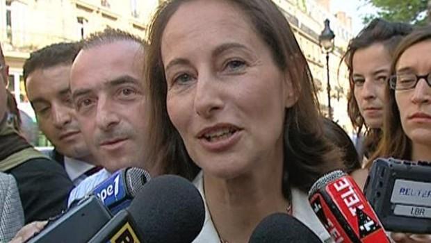 TF1/LCI Ségolène Royal devant la Mutualité