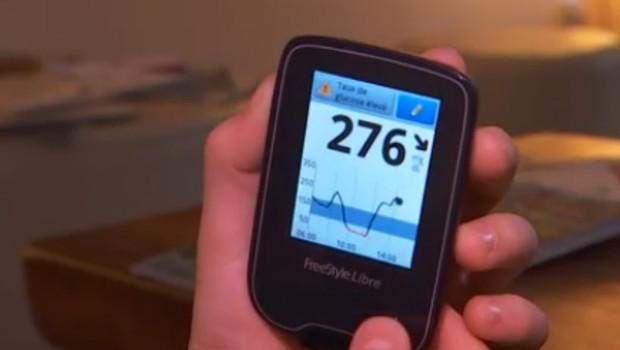 L'appareil qui permet de mesure le taux de glycémie à l'aide d'un patch collé au coude