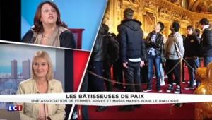 Les Bâtisseuses de Paix font découvrir le parcours des droits de l'homme à Versailles
