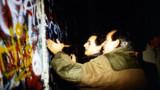 Le 9 novembre 1989, Sarkozy était... au pied du Mur