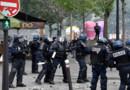 Des policiers à Paris lors d'une manifestation contre la loi Travail.