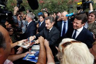 Sarkozy, le retour ? Mais il n'est jamais vraiment parti... 2 minutes 30 pour vous le prouver