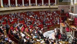 Goasguen et Mariani inquiets sur le coût du plan d'aide à la Grèce