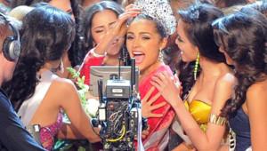 Miss USA, Olivia Culpo (au centre) après son élection au titre de Miss Univers à Las Vegas le 19 décembre 2012