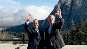 Le président français Francois Hollande accompagné du Premier ministre Stephen Harper le 2 novembre 2014