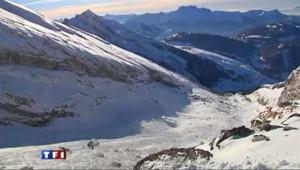 Trois skieurs emportés dans une avalanche à La Clusaz : les images