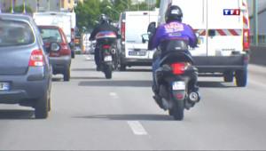 Le 20 heures du 14 août 2014 : Forte baisse du nombre de morts sur les routes en juillet : gr� aux motards ? - 655.1879999999999
