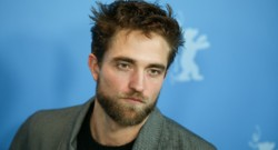 Robert Pattinson en février 2015