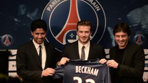 David Beckham, entouré du président du PSG et de Leonardo, lors de sa présentation officielle le 31 janvier 2013.