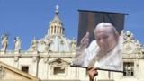 Jean-Paul II béatifié en 2011 ?