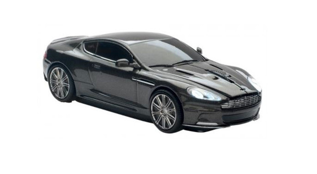 news automoto id e cadeau n 22 une souris aston martin. Black Bedroom Furniture Sets. Home Design Ideas