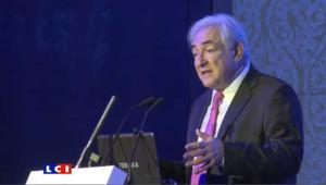 Dominique Strauss Kahn lors d'un sommet économique à Pékin à propos de l'eurozone, le 19 décembre 2011.