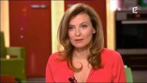 Valérie Trierweiler, invité de C à Vous, sur France 5.