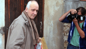 Dany Leprince arrivant à son domicile après sa libération conditionnelle le 19 octobre 2012.