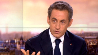 """Sarkozy """"touché émotionnellement"""" ? Ce que traduisait sa gestuelle dimanche..."""