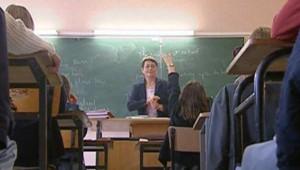 Ecole classe enseignante élèves enfants primaire cours