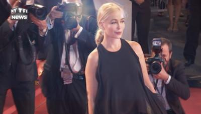 Emmanuelle Béart sur le tapis rouge du festival de Cannes, 19 mai 2016