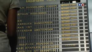 Le 13 heures du 27 juillet 2013 : Orages: trafic TGV perturb�ans le Nord de la France apr�le blocage de deux trains - 452.48199999999997