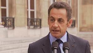 Nicolas Sarkozy s'exprimant sur le perron de l'Elysée à propos de la crise financière (6 octobre 2008)