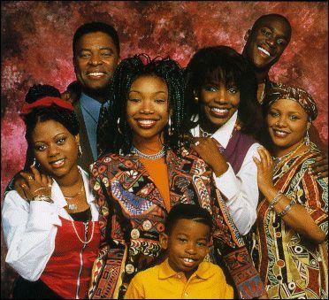 La série Moesha avec Yvette Wilson (à droite) dans le rôle de Andell Wilkerson.
