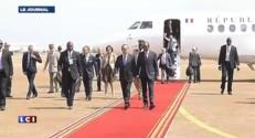 Ebola : Hollande est arrivé en Guinée