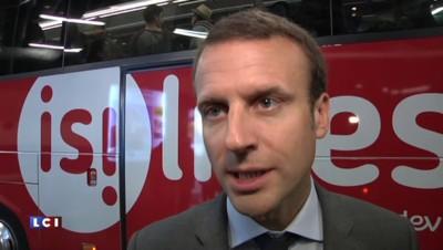 Emmanuel Macron rend une visite surprise aux utilisateurs d'autocars parisiens