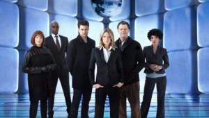 Fringe - Saison 5. Série créée par J.J. Abrams, Alex Kurtzman, Roberto Orci en 2008. Avec Anna Torv, John Noble, Joshua Jackson et Blair Brown.