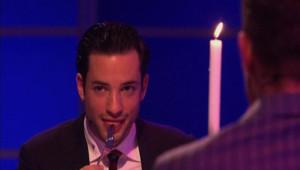 Cannibalisme à la télé néerlandaise. Deux animateurs ont mangé un morceau de leur chair.