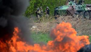 Ukraine : chars de l'armée ukrainienne à Slaviansk, 24/4/14