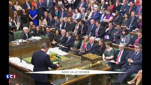 Brexit : quand David Cameron se risque à quelques blagues au Parlement