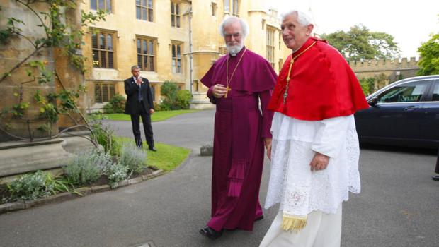 Benoît XVI reçu par le primat de l'église anglicane, l'archevêque de Canterbury (17/09/2010)