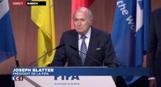 """Sepp Blatter : """"Je reprendrai la barre"""""""