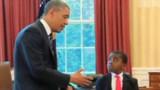 """VIDEO. Obama fait visiter la maison blanche au """"kid président"""""""