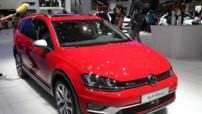 La nouvelle Volkswagen Golf Alltrack en photos au Mondial de l'Auto 2014.